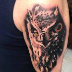 bruce 116 black fekete kar back owl arm color ink man tattoo studio budapest tetovalas bruce - Tetoválás, Ink man tattoo studio, Tetoválás Budapest, piercing