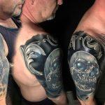 bruce 126 black fekete kar back skull arm color ink man tattoo studio budapest tetovalas bruce - Tetoválás, Ink man tattoo studio, Tetoválás Budapest, piercing