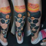bruce 349 bolygo szines color leg planet lab ink man tattoo studio budapest tetovalas bruce - Tetoválás, Ink man tattoo studio, Tetoválás Budapest, piercing