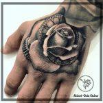 dalma 74 rose rozsa kezfej hand fekete feher black white ink man tattoo studio budapest tetovalas dalma - Tetoválás, Ink man tattoo studio, Tetoválás Budapest, piercing