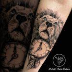 dalma 83 oroszlan lion kar arm ora clock fekete black ink man tattoo studio budapest tetovalas dalma - Tetoválás, Ink man tattoo studio, Tetoválás Budapest, piercing