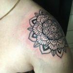 mandala váll tetoválás. mandala shoulder tattoo