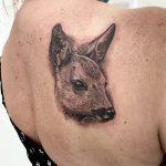 őz hát tetoválás, roe back tattoo