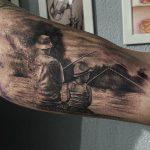 peca tetoválás kar, to fish family tattoo arm