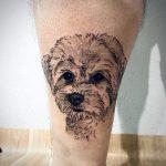 kicsi kutya fehér láb tetoválás, little dog white leg tattoo