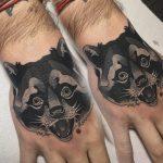 mosómedve kézfej tetoválás, raccoon hand tattoo