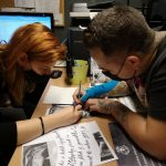 Júlia Bruce indigózás tetoválás, Julia Bruce indigo tattoo