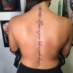 gerinc tetoválás felirat, spine tattoo inscription
