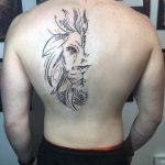 fél oroszlán tetoválás háton, half lion tattoo on back
