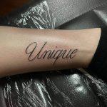 egyedi felirat tetoválás, unique inscription tattoo
