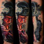 kalapos pipázó ember, man in hat smoking pipe