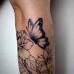 pillangó fekete fehér tetoválás, butterfly black white tattoo