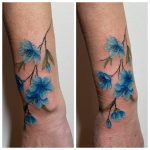 kék tavaszi virág tetoválás kar, blue spring flower tattoo arm